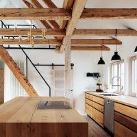 Küchenzeile und Küchentresen im DG